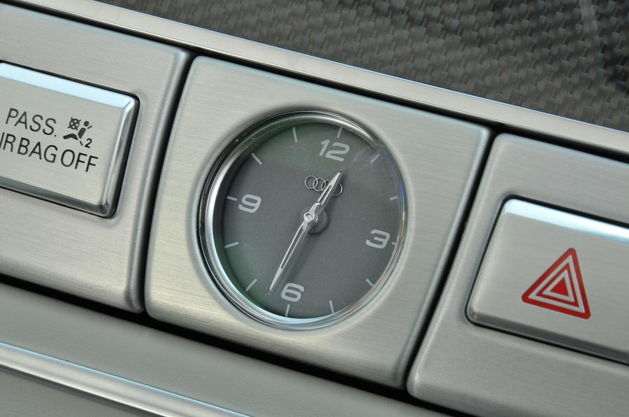 Audi S8 analogue clock