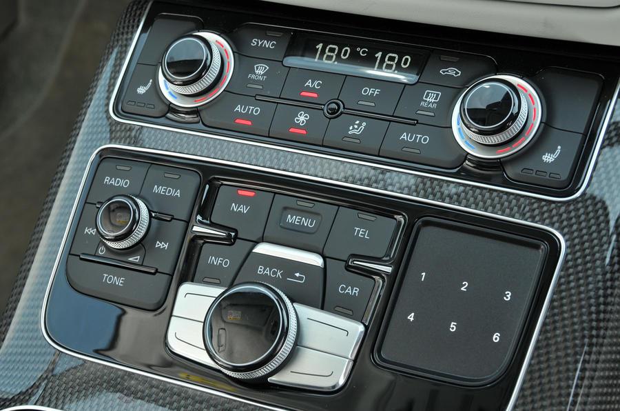 Audi S8 centre console