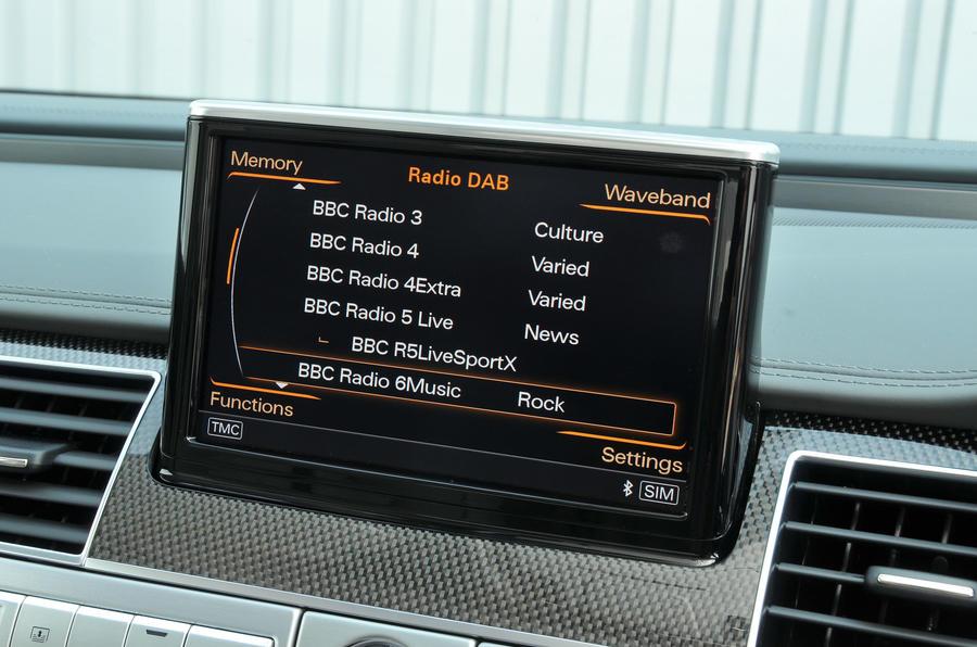 Audi S8 MMI infotainment