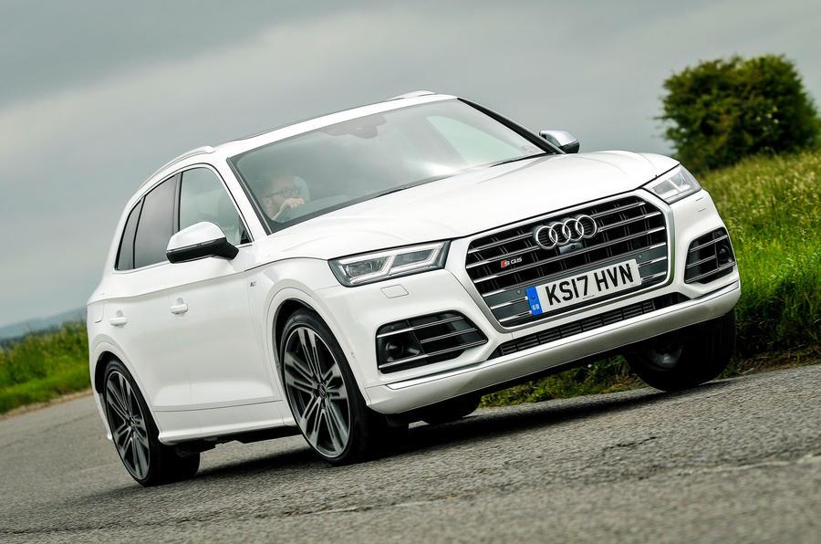 Audi SQ5 cornering