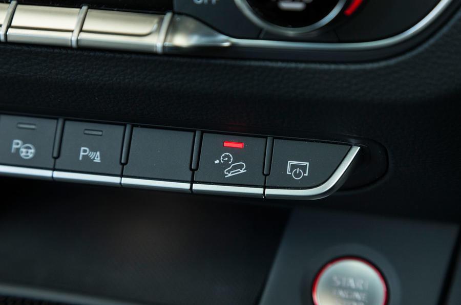 Audi SQ5 hill descent control