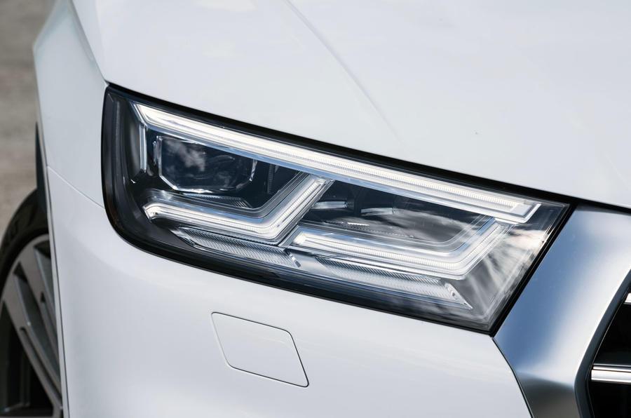 Audi SQ5 LED headlights