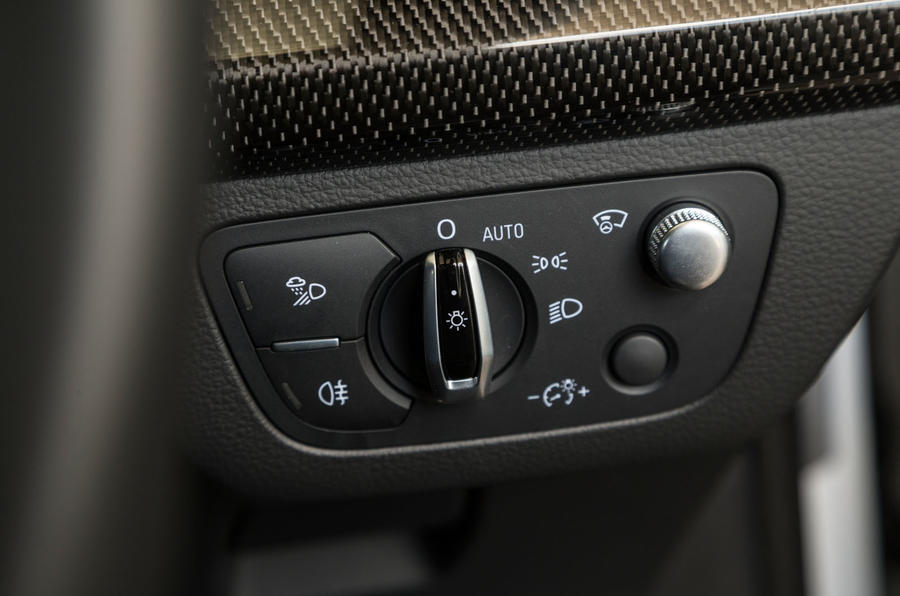 Audi SQ5 light controls