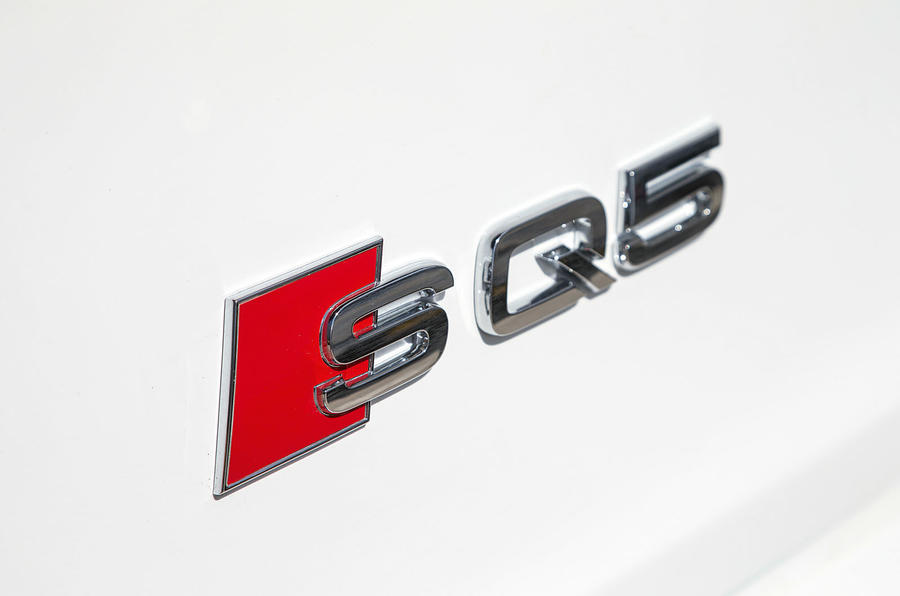 Audi SQ5 boot badging