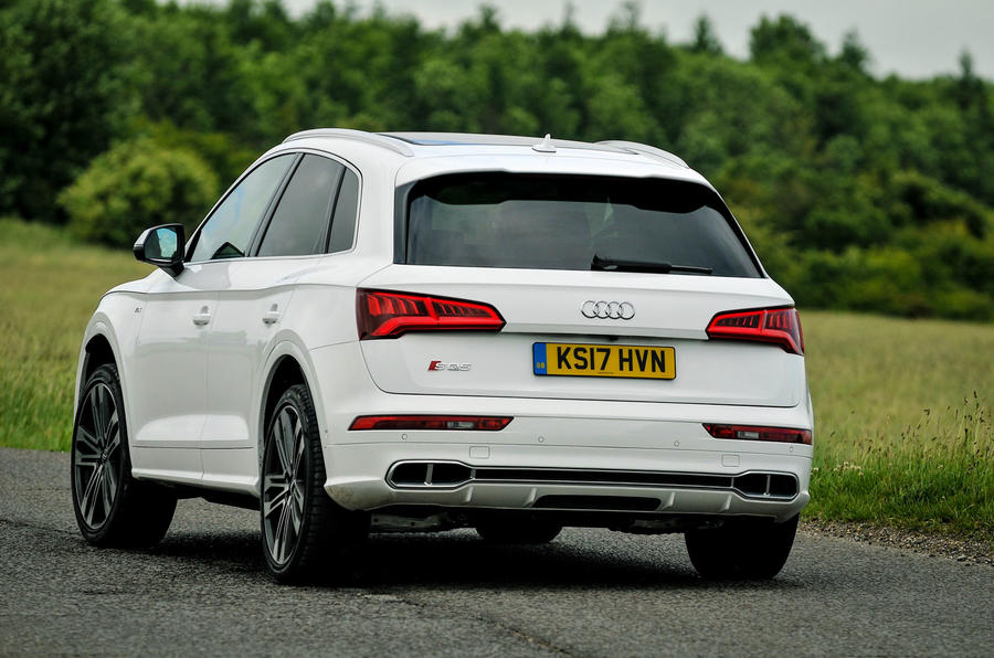 Audi SQ5 rear cornering