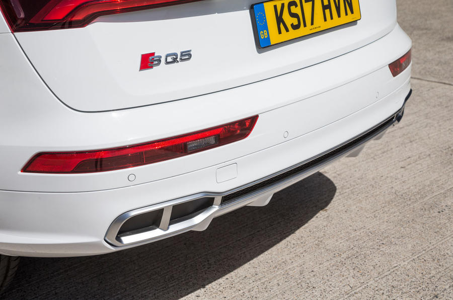 Audi SQ5 rear diffuser