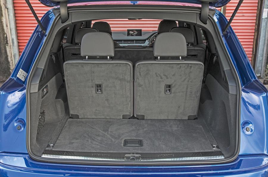 Audi SQ7 boot space