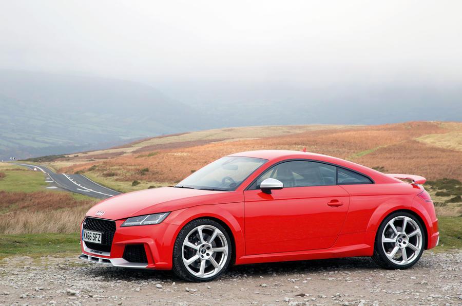 4 star Audi TT RS
