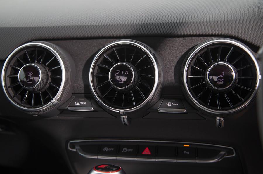 Audi TT RS climate controls