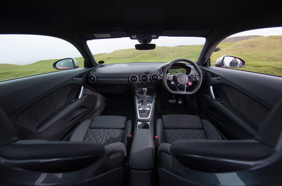 Audi TT RS interior space