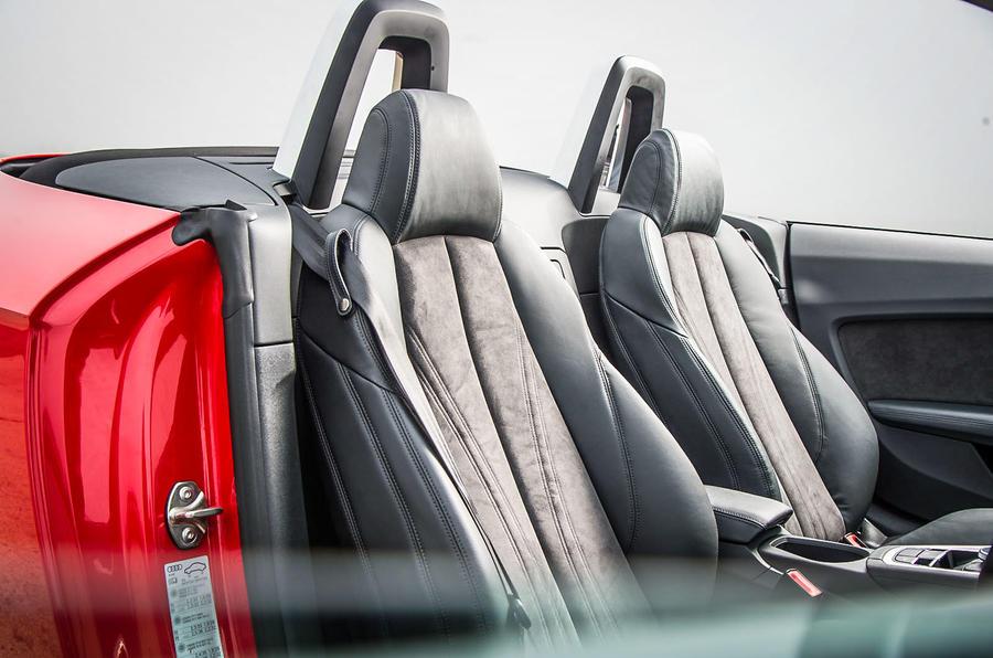 Sports seats in the TT Roadster