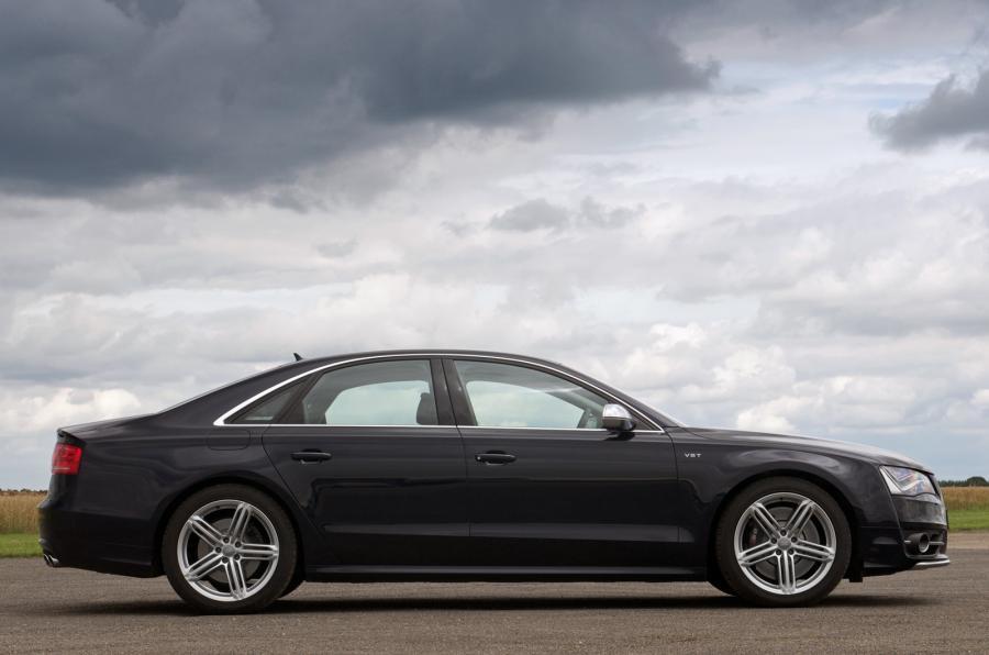 3 star Audi S8