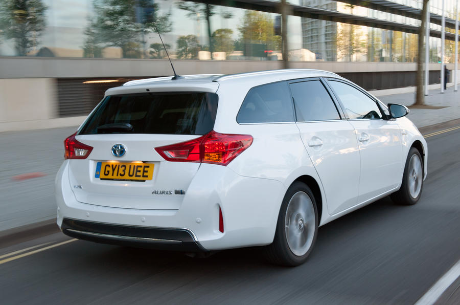 Toyota Auris Touring Sports 1.8 Hybrid Excel first drive review