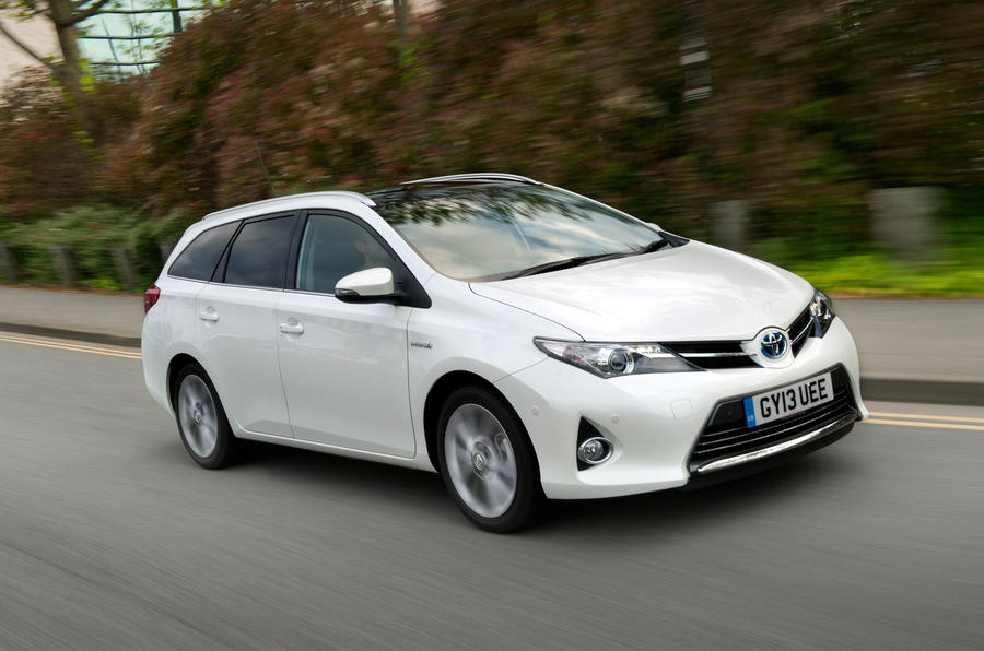 2.5 star Toyota Auris Touring Sports