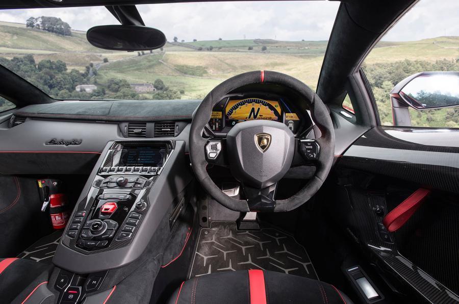 Lamborghini Aventador Superveloce dashboard
