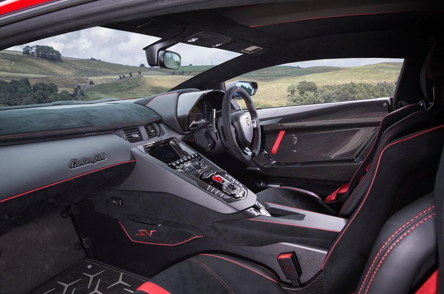 Lamborghini Aventador Superveloce interior