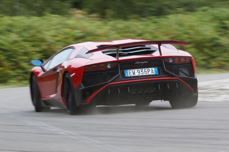 Lamborghini Aventador SV rear cornering