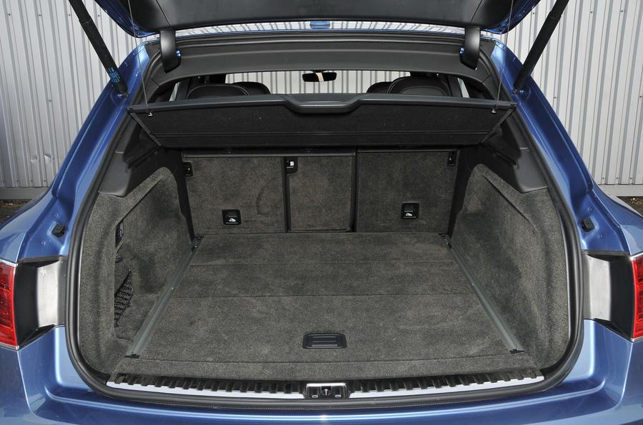 Bentley Bentayga Diesel boot space