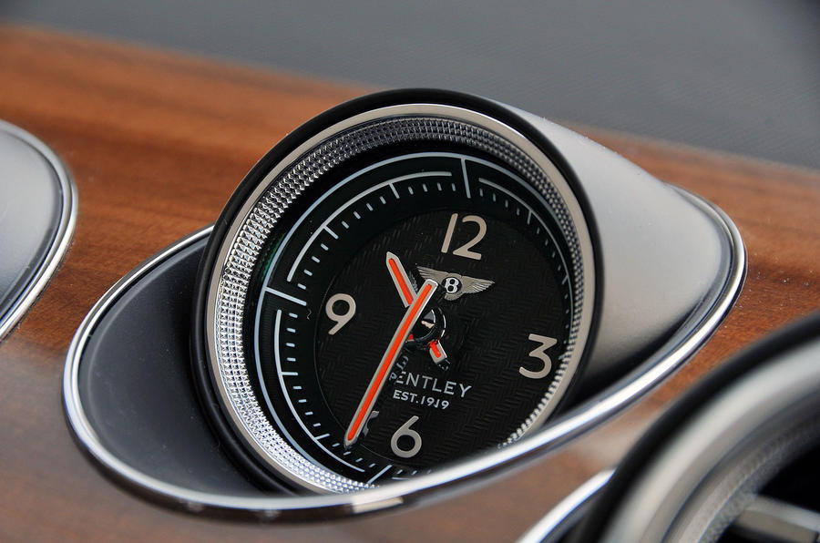 Bentley Bentayga Diesel clock