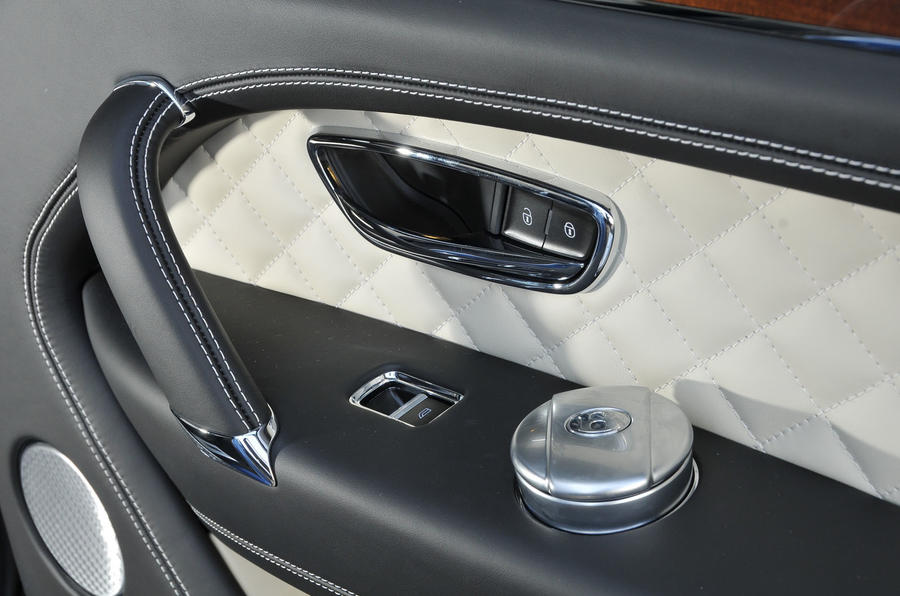 Bentley Bentayga Diesel door cards