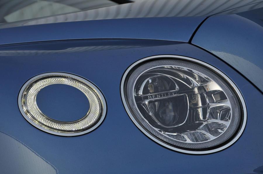 Bentley Bentayga Diesel headlights