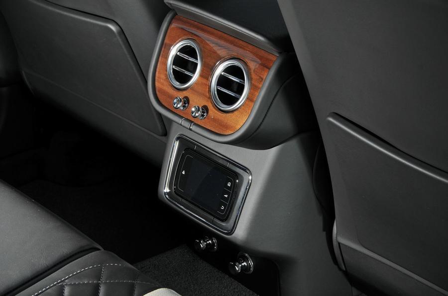 Bentley Bentayga Diesel rear console