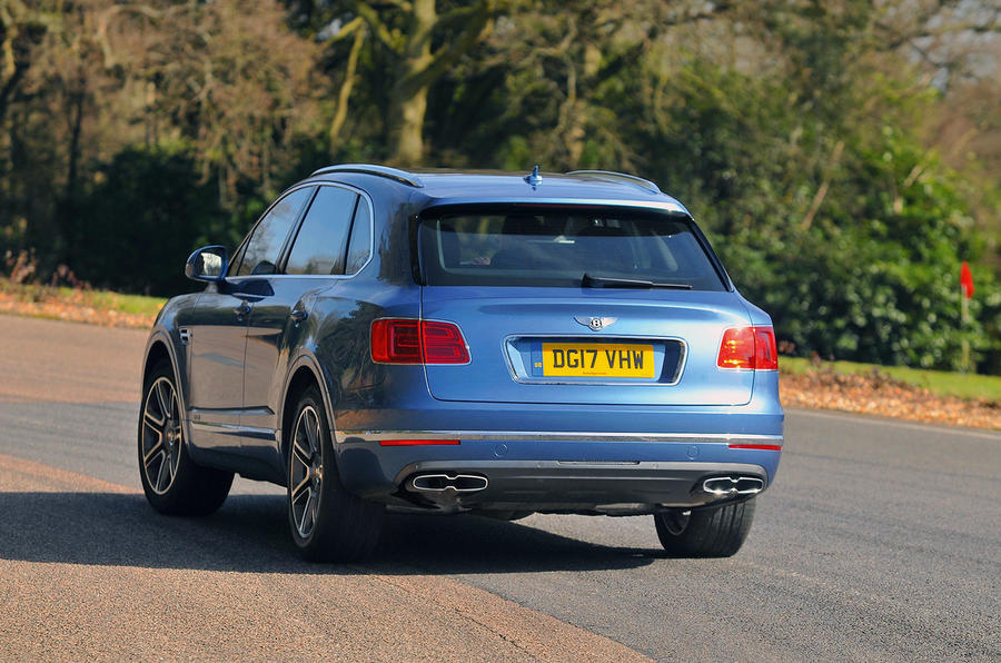Bentley Bentayga Diesel rear cornering