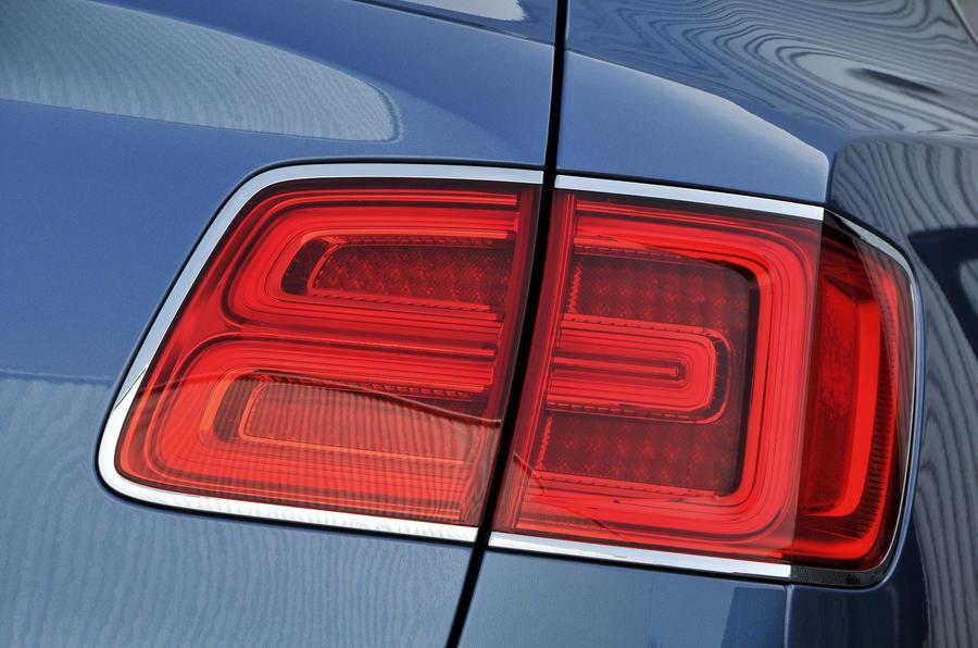 Bentley Bentayga Diesel rear lights