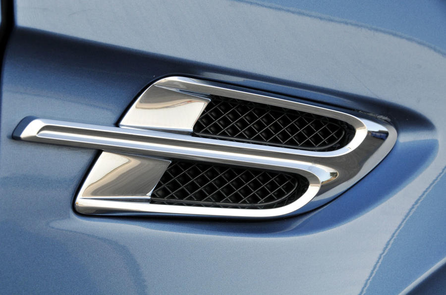 Bentley Bentayga Diesel side vents