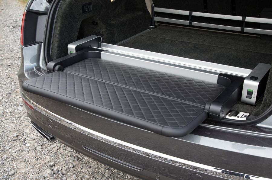 Bentley Bentayga fold out seat