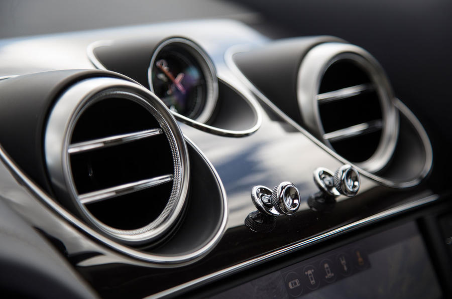 Bentley Bentayga air vents