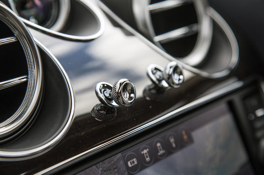 Bentley Bentayga air vent controls