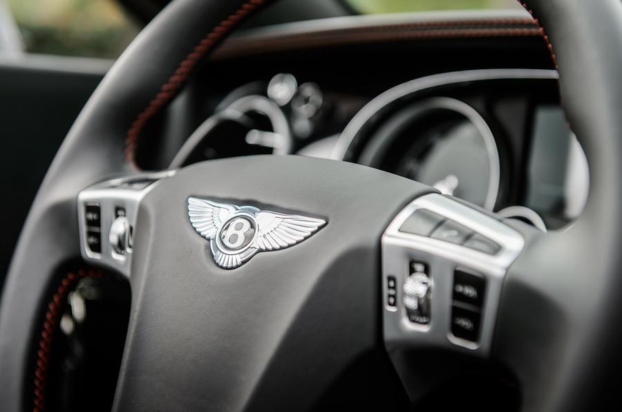 Bentley Continental GT V8 S steering wheel