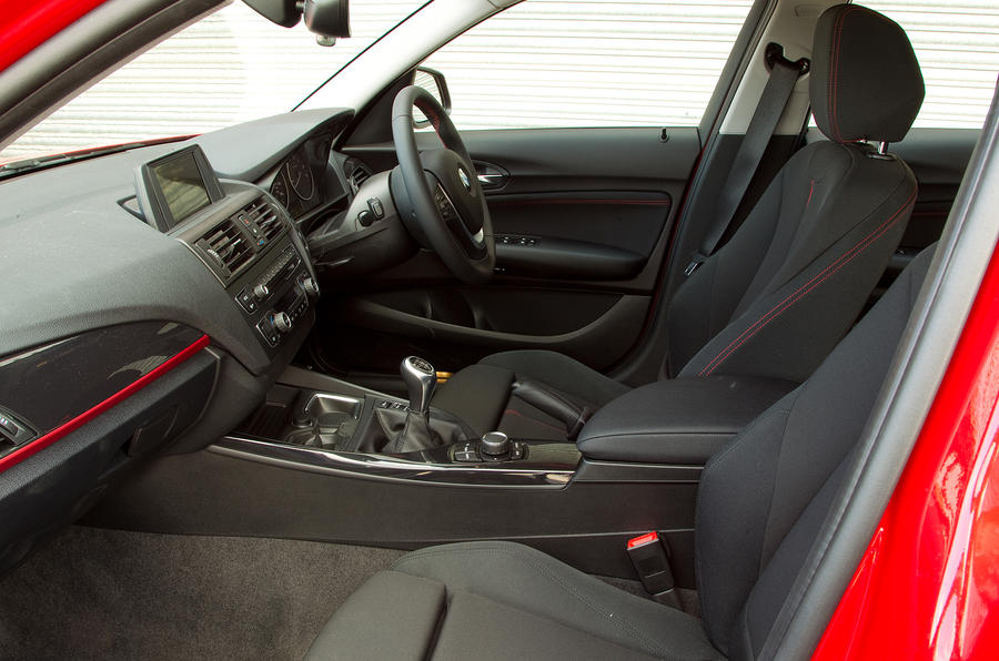 BMW 1 Series front seats