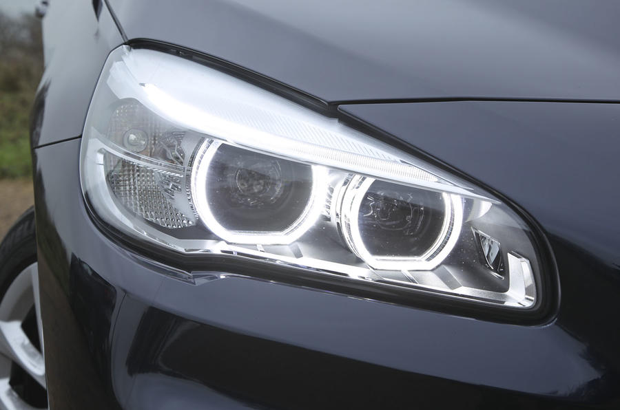 2 Series AT's Xenon headlights