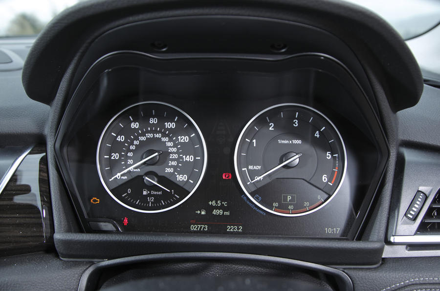 BMW 2 Series AT's instrument cluster
