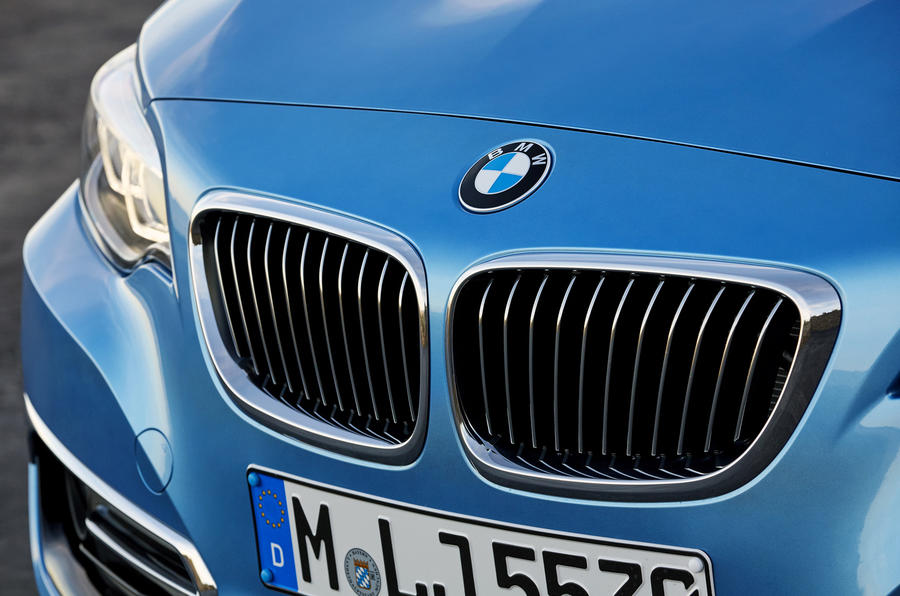 BMW 2 Series Convertible kidney grille