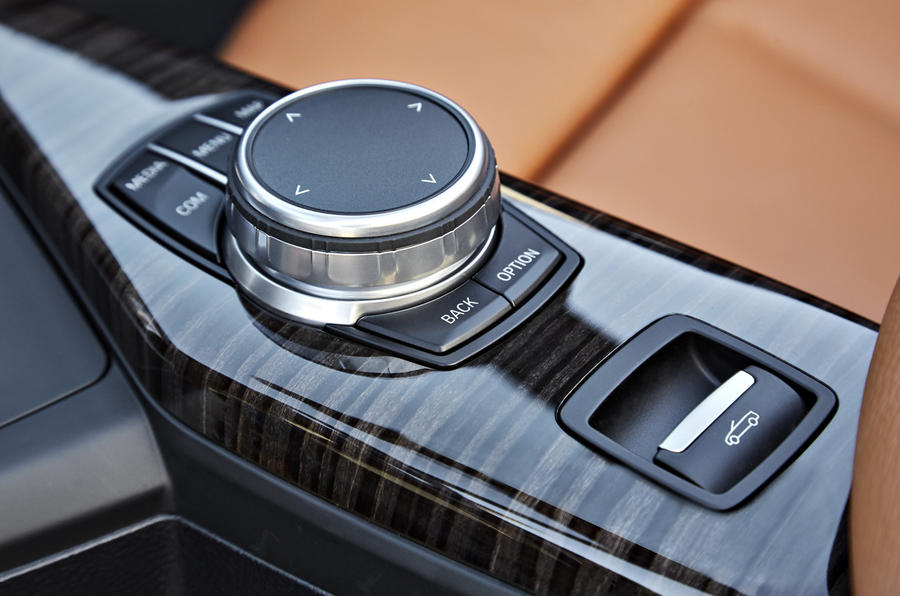 BMW 2 Series Convertible iDrive controller