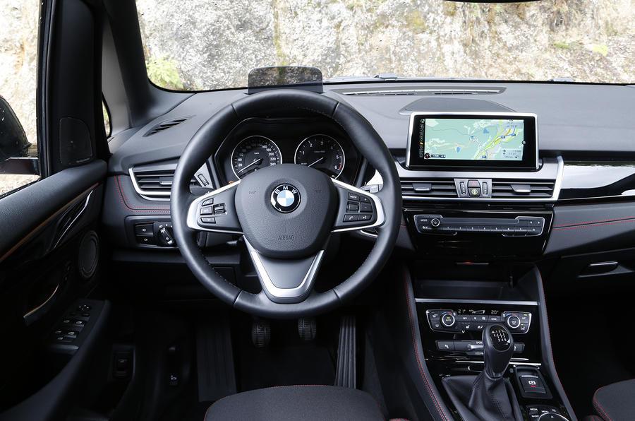 BMW 218d Active Tourer dashboard