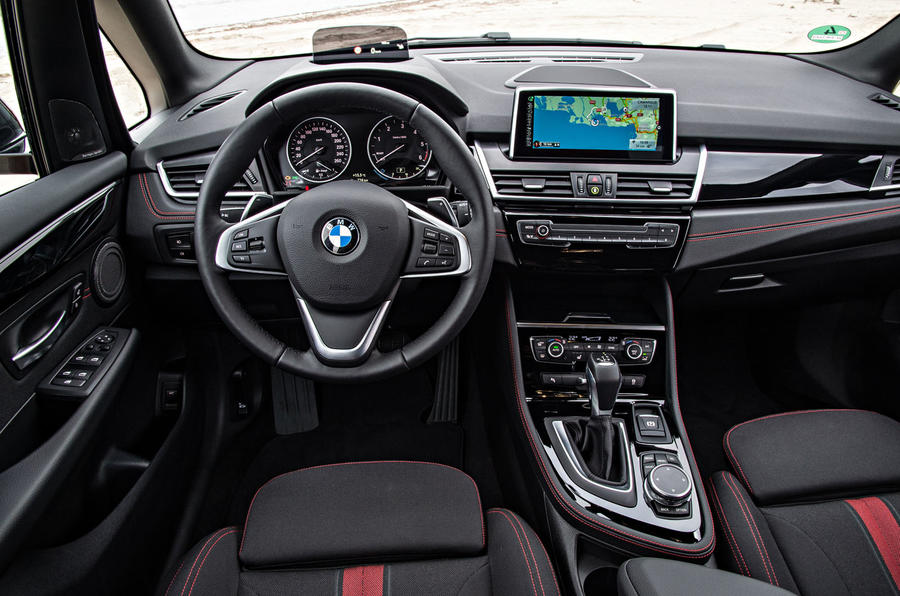 BMW 220d xDrive Active Tourer dashboard