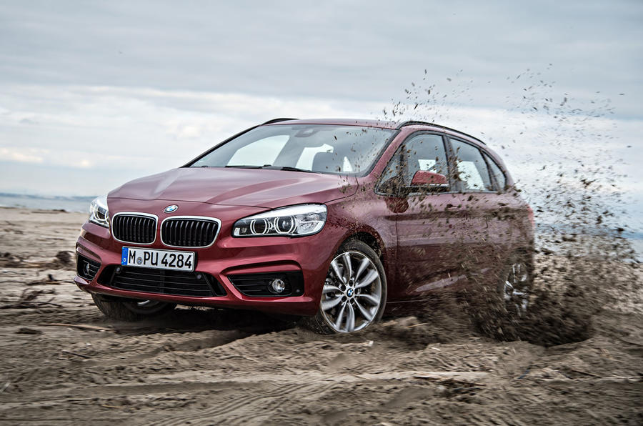BMW 220d xDrive Active Tourer off-roading