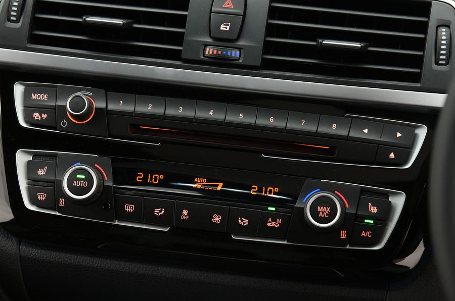 BMW 3 Series centre console