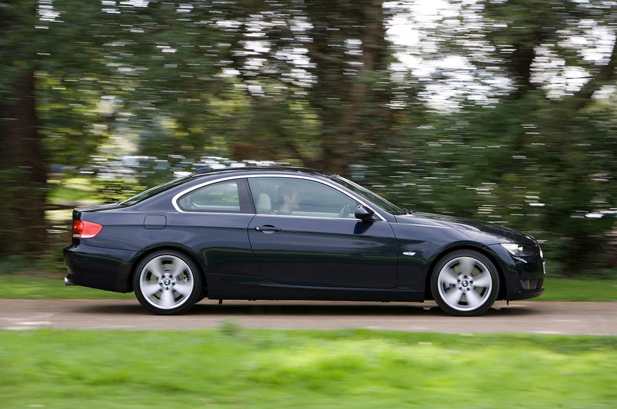 BMW 3 Series Coupé side profile