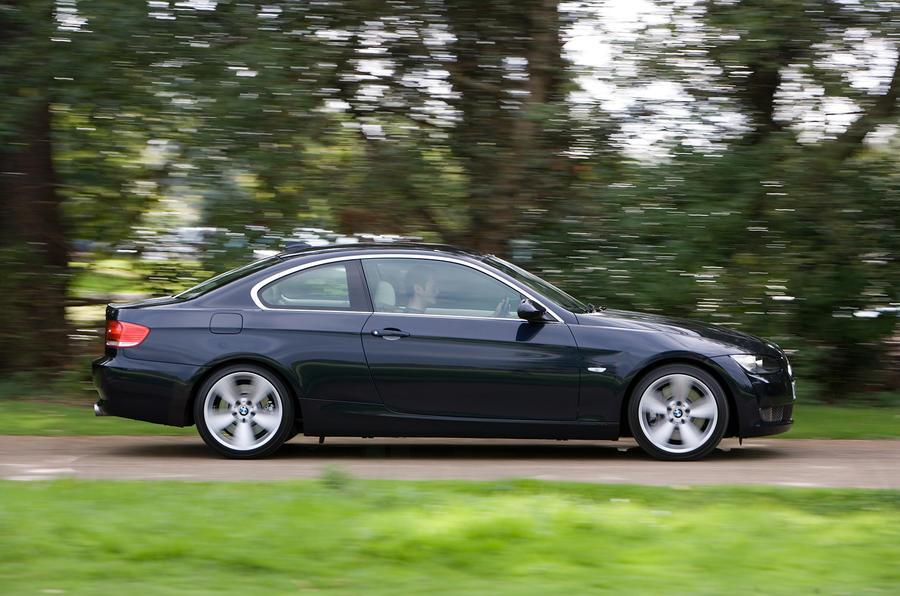 BMW 3 Series Coupé side profile