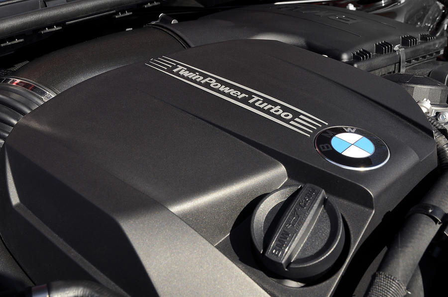 BMW 3 Series Coupé engine bay