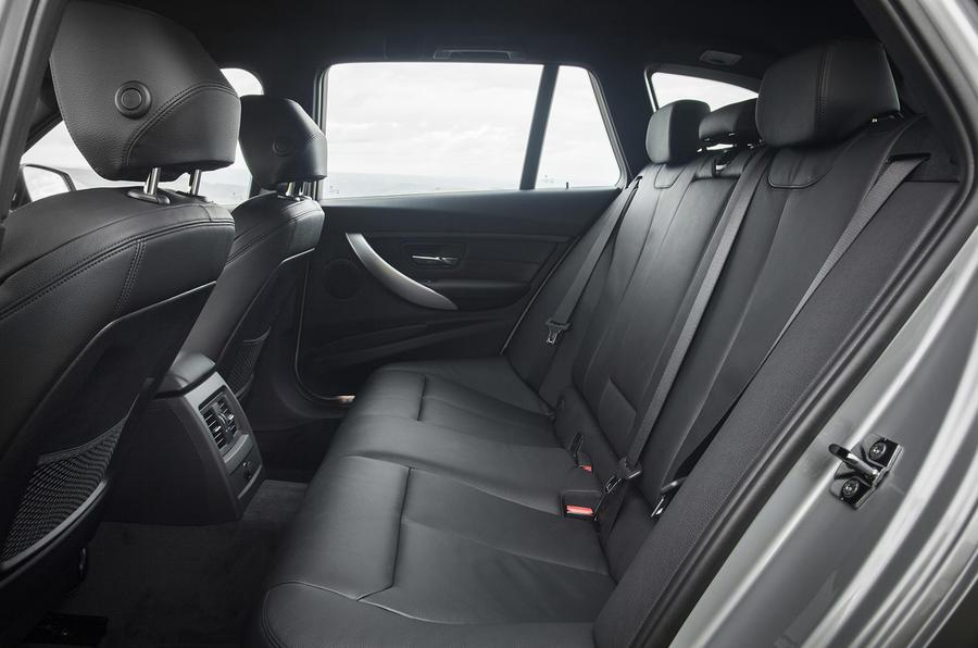 BMW 335d Touring xDrive rear seats