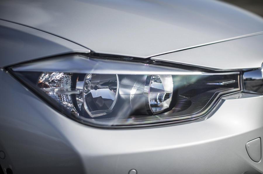 BMW 335d Touring xDrive headlights