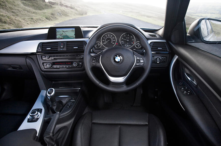 BMW 3 Series Touring dashboard