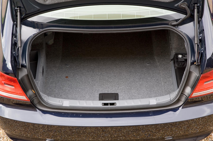 BMW 3 Series Coupé boot space