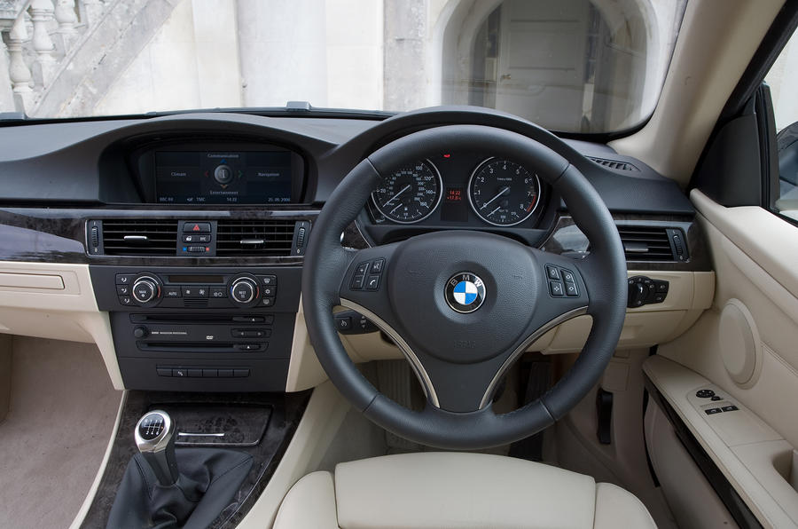 ... BMW 3 Series Coupé Interior ...